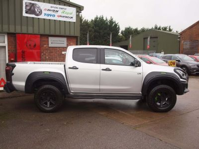 Isuzu D-max 1.9 XTR Nav+ Double Cab 4x4 Auto Pick Up Diesel SILVER at Isuzu Used Vehicle Locator Leeds